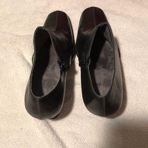 """AEROSOLES Shoes - Aerosoles black """"cinchiation"""" ankle boots size 9"""